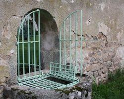 Ferronnerie Bernard Goujat - Quarre-Les-Tombes -Dessus de puit